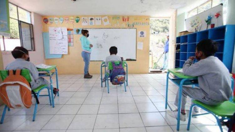 Van 179 casos de covid-19 en escuelas del Edomex